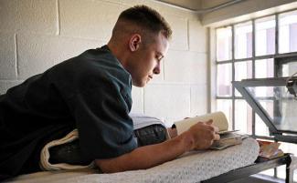 Prisoner-Reading_612x380_0