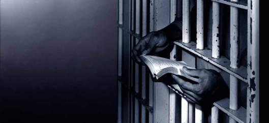 prisoner_bible__86693